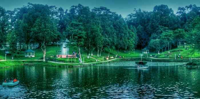 Mesmerising Meghlaya(Wards Lake)