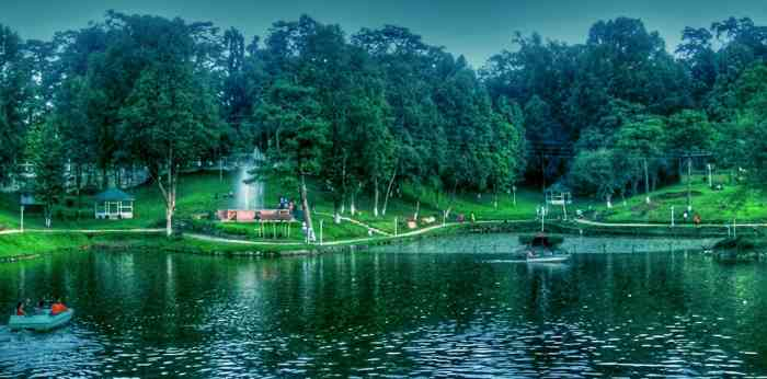 Mesmerising Meghlaya(Wards Lake)
