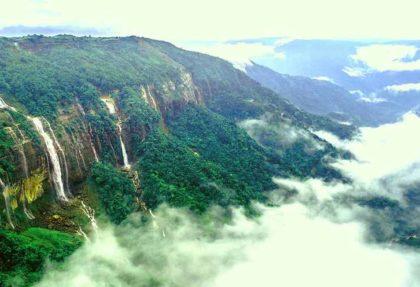 Seven Sister Falls, Nohsngithiang Falls