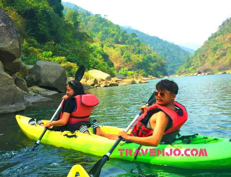 Kayaking at Dawki Shnongpdeng