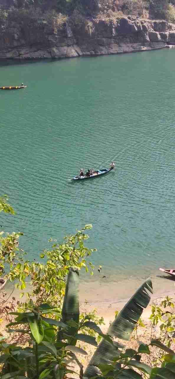 Dawki River Boating